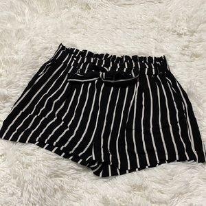 U2B Large black and white paper bag style shorts